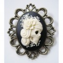 Broche camée retro vintage miss skull portrait rose blanc grande dimension