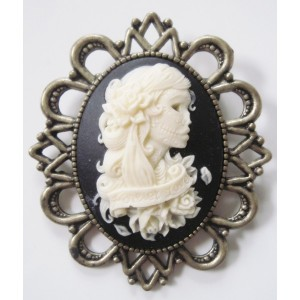 Broche camée retro vintage Miss Skull tatouée halloween forever young